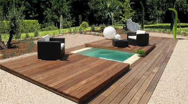 Mini mais pour vous un maximum de plaisirs for Construire deck piscine