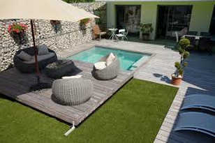 une terrasse mobile pour votre piscine sa piscine. Black Bedroom Furniture Sets. Home Design Ideas